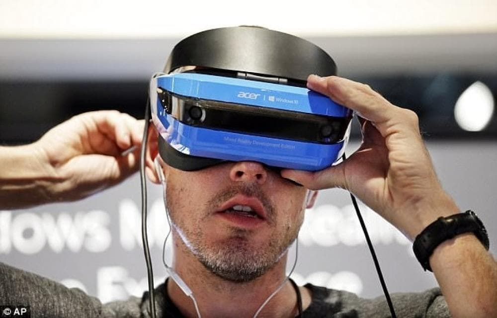 Playing with Acer Windows Mixed Reality Headset