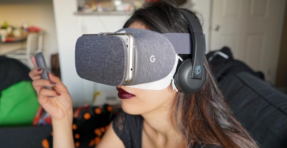 Playing with Google Daydream View Headset